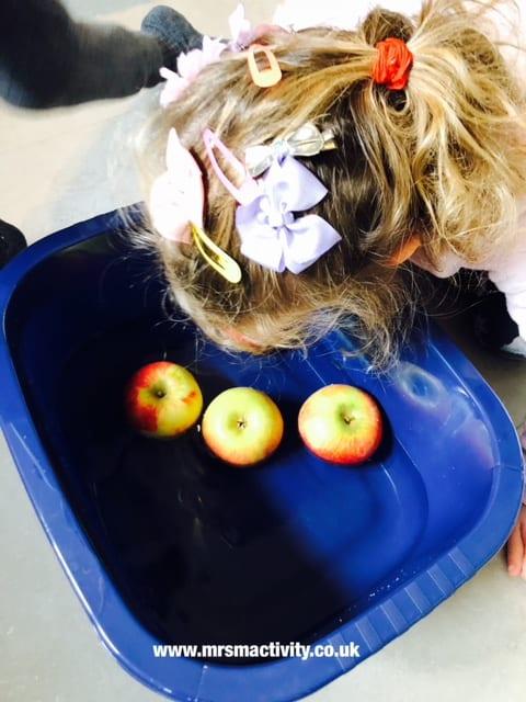 apple bobbing games