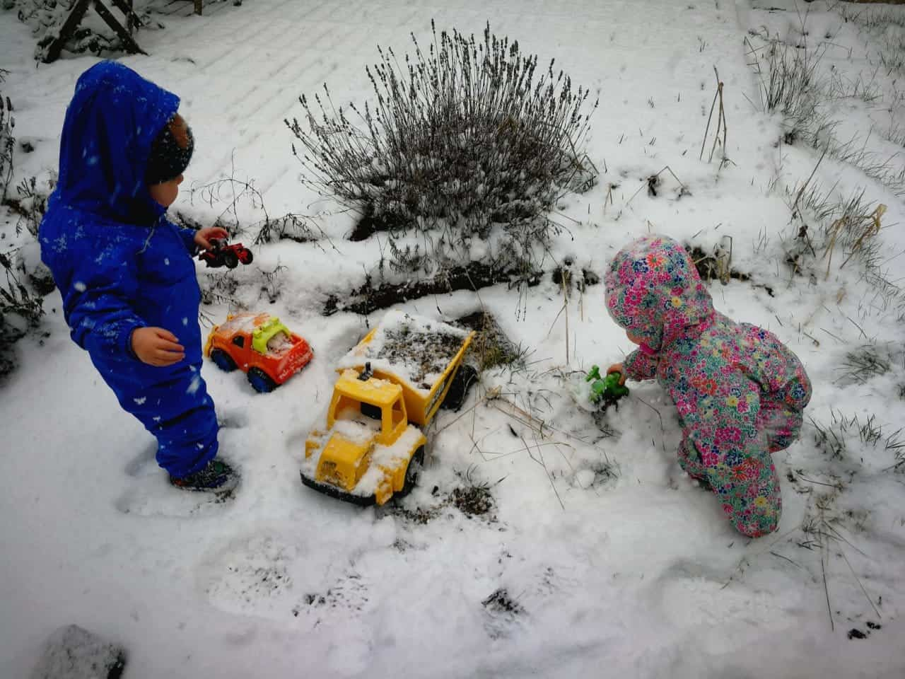 snow day play ideas for toddlers