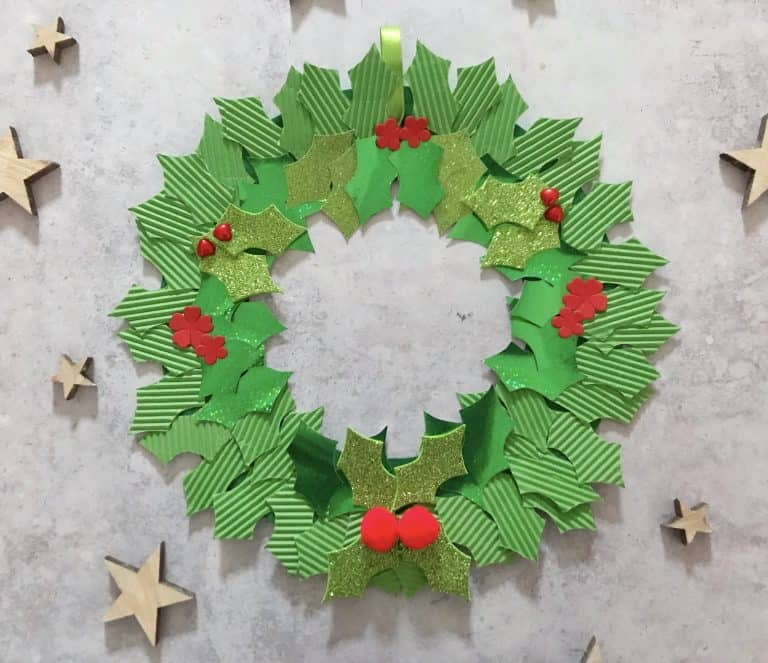 paper plate holly wreath craft